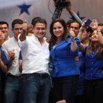 Juan Orlando Hernández del Partido Nacional, el mismo del presidente Pepe Lobo, se declaró ganador de los comicios tras el primer anuncio del TSE. foto edh / EFE