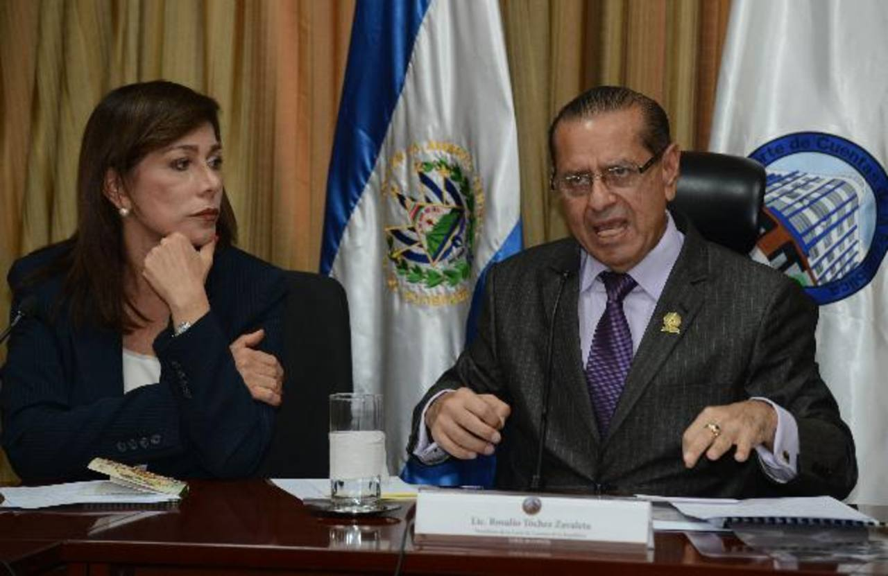 De Escobar enfrenta a titular Corte de Cuentas