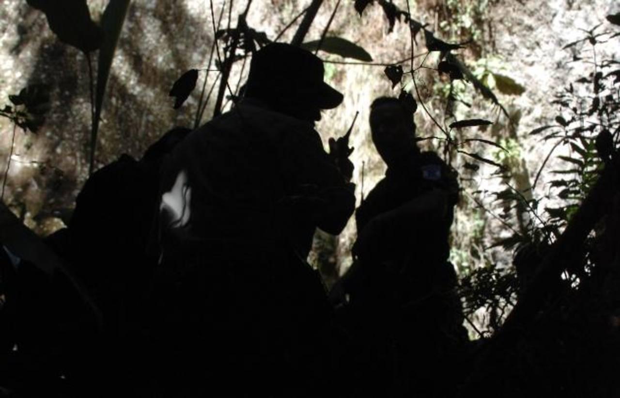Autoridades verificaban el triple homicidio Foto/ Archivo