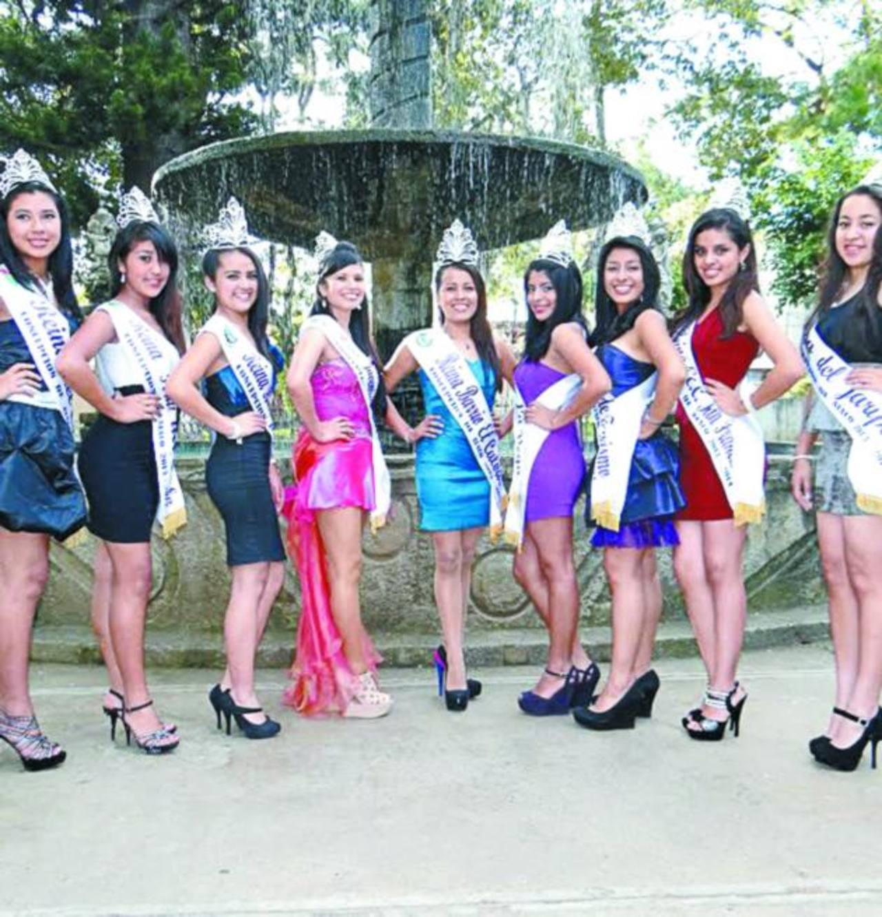Nueve señorita aspiran a ser la reina de las fiestas de Concepción de Ataco 2013-2014. Foto EDH / Roberto Zambrano