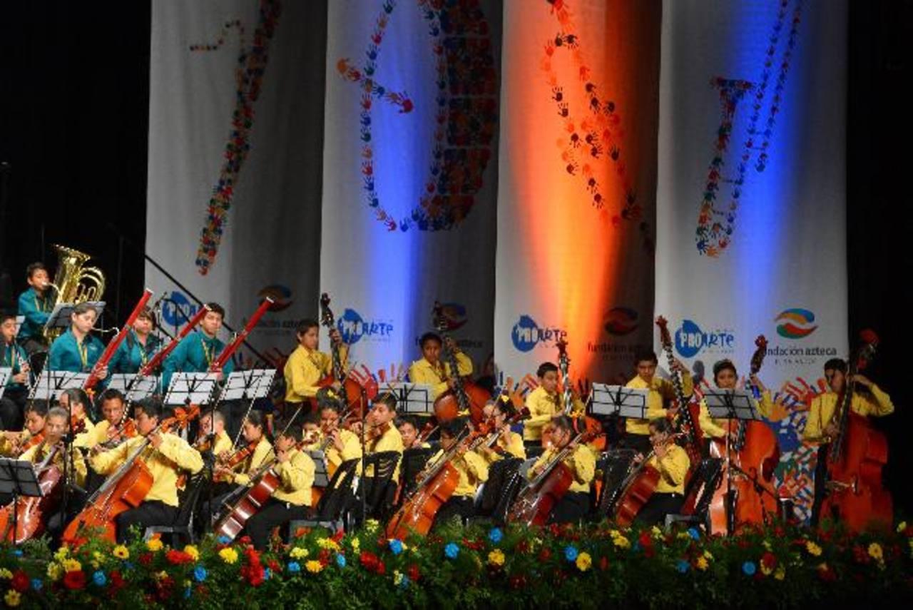 La Orquesta Sinfónica Esperanza Azteca ha realizado varios conciertos en el país. Los jóvenes han demostrado su talento.