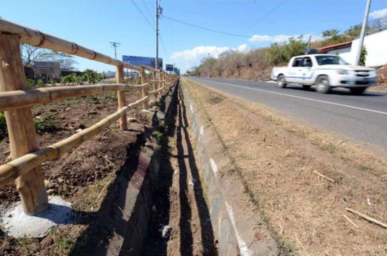Fiscal asignada a Ciudad Mujer murió esta mañana en un accidente en el kilómetro 92 de la carretera del Litoral. FOTO EDH/Archivo