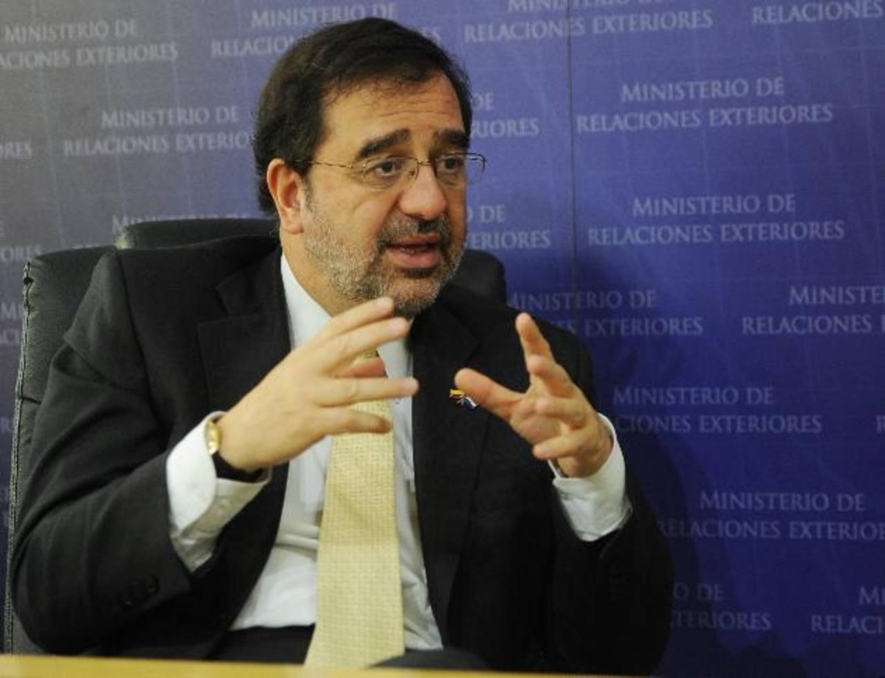 Gómez consideró que la integración de los países de Centroamérica debe de trascender a esfuerzos de carácter latinoamericano, similares a Mercosur. FOTO EDH / MARLON HERNÁNDEZ