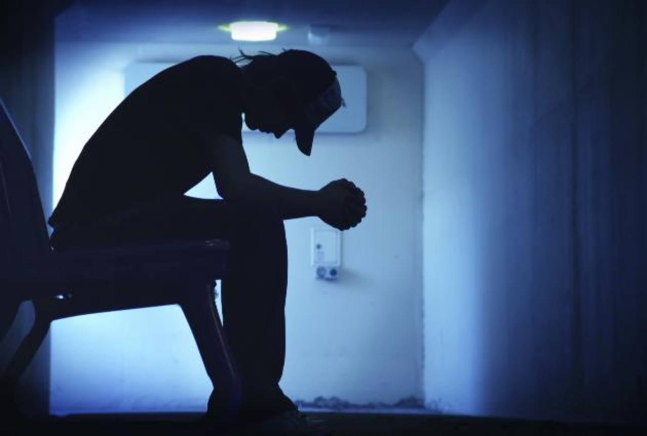 Diagnóstico de cáncer impulsaría a los jóvenes al suicidio