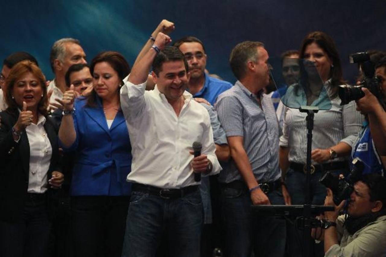 Juan Orlando Hernández, candidato del oficialista Partido Nacional, sería el sucesor del actual presidente Porfirio Lobo, quien entrega el poder en enero del otro año. Foto edh / archivo