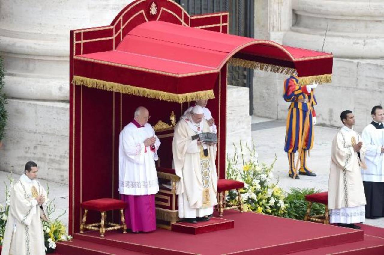 Es la primera vez que las reliquias son exhibidas en público. FOTO EDH ap.