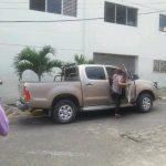 El pick up asignado a la alcaldesa Juana de Pacas fue atacado a balazos, ayer, en la colonia San Miguel. Foto EDH / Cortesía