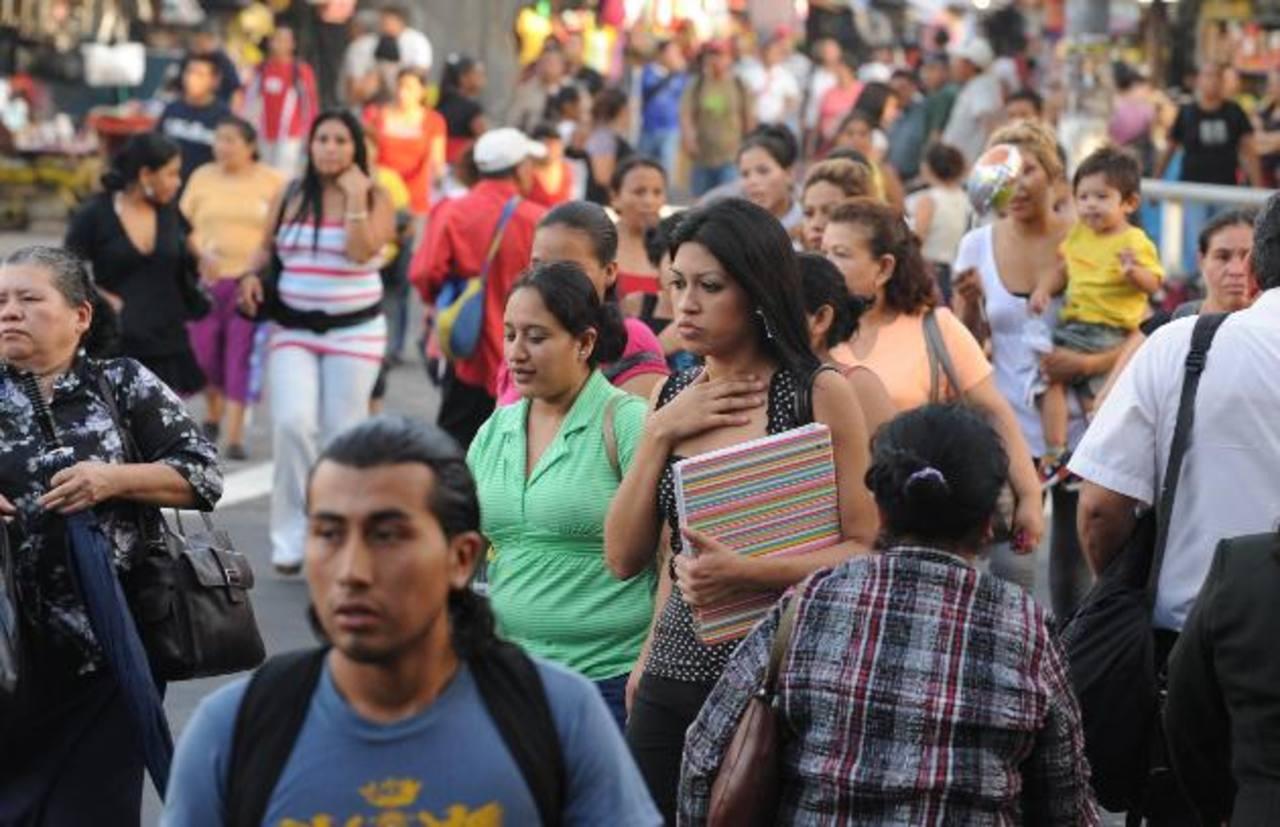 El bajo crecimiento económico afecta de forma directa las condiciones de vida de los salvadoreños. FOTO EDH / ARCHIVO