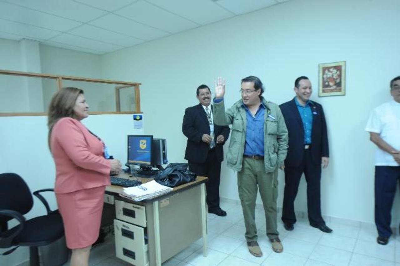 El Fiscal General, Luis Martínez, inauguró ayer las nuevas oficinas de la FGR en Zacatecoluca, La Paz. Foto EDH / Lissette Monterrosa.