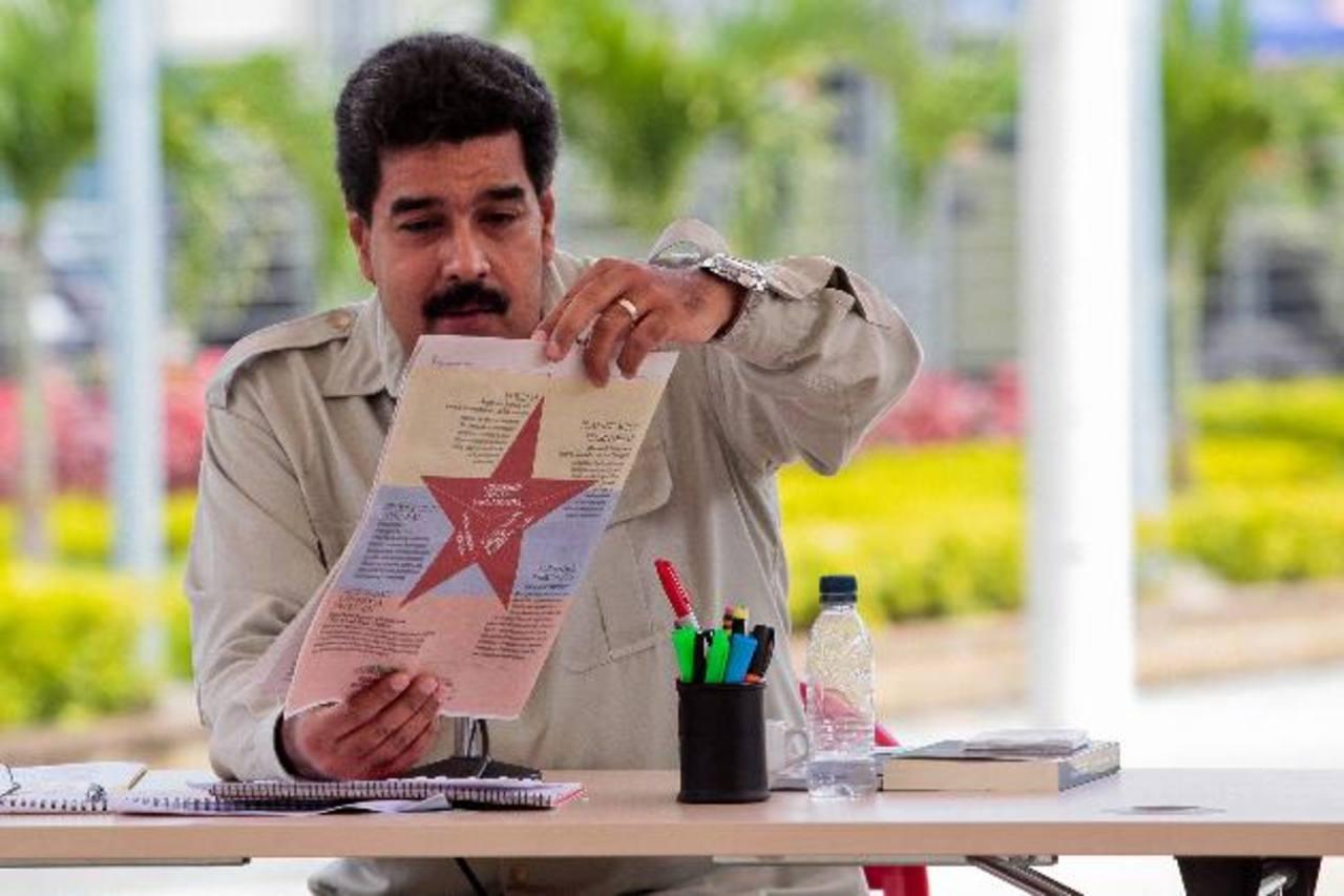 El gobernante de Venezuela, Nicolás Maduro, afirma que la oposición se dispone a rechazar su eventual derrota. foto edh / efe