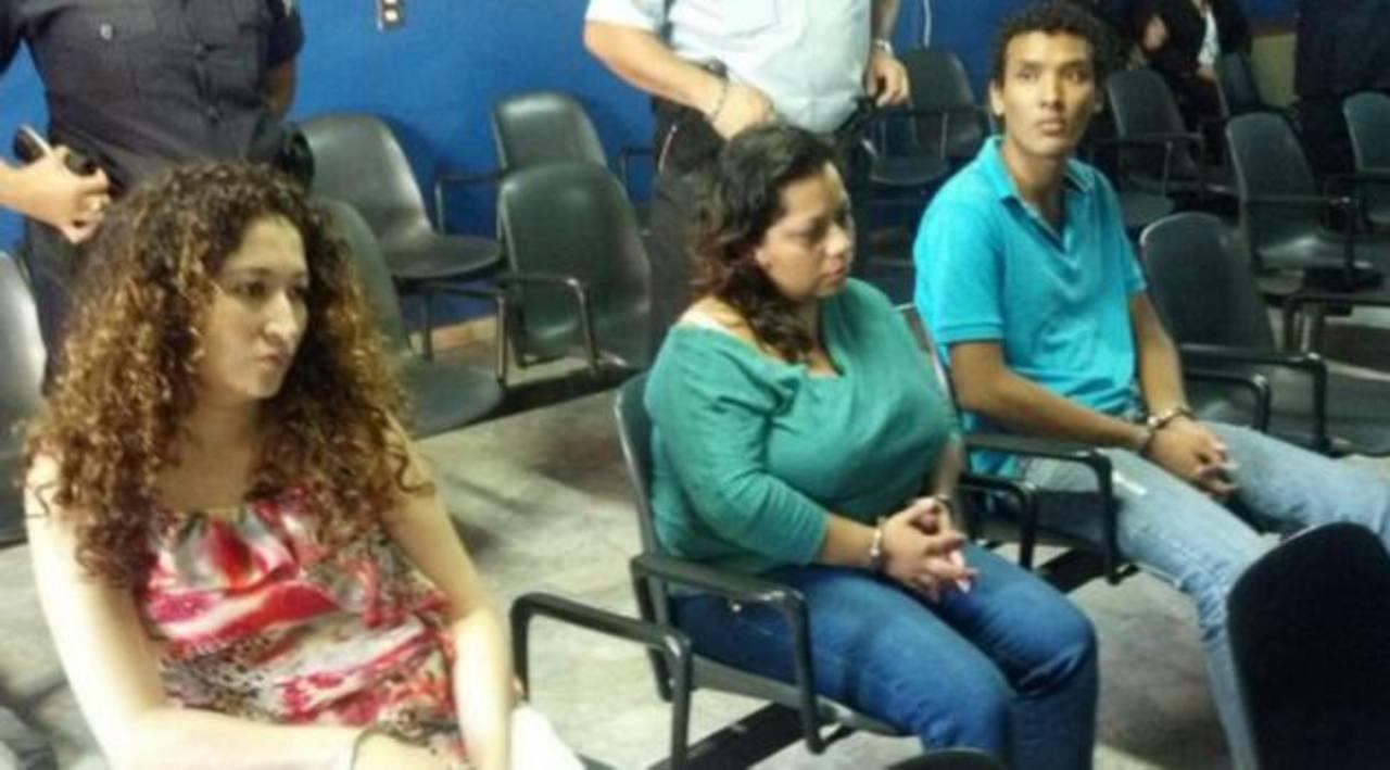 Un tribunal instaló este lunes el juicio contra tres miembros de la familia Bobadilla por el caso Helene Arias. Foto vía móvil Diana Escalante