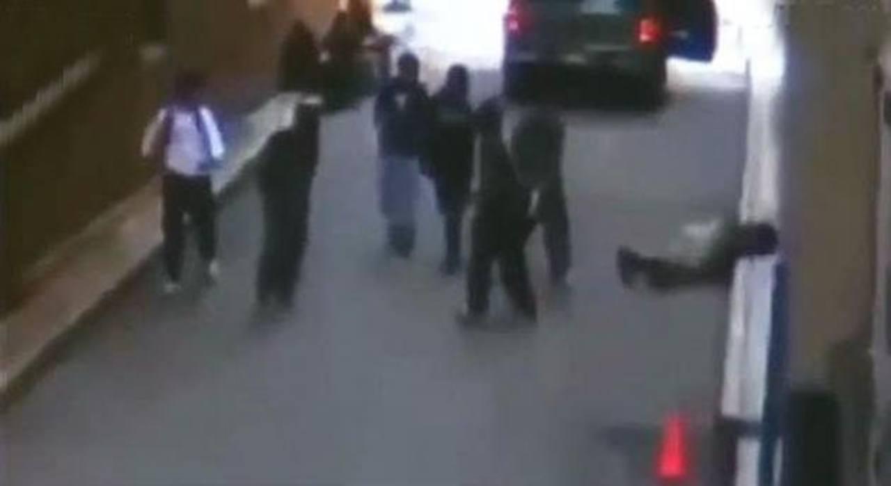 """Video: Dejar inconsciente de un golpe a desconocidos es la nueva """"moda"""" en los EE.UU."""