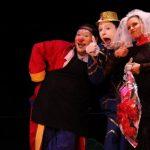 Los payasos Bombón y Raflo junto a la bailarina y acróbata Karlita son los protagonistas de la puesta en escena.
