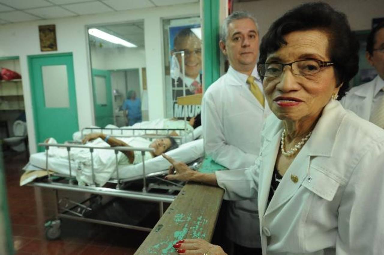 La ministra de Salud, María Isabel Rodríguez, fue la primera mujer a cargo de rectora de la Universidad de El Salvador. FOTO EDH/Archivo
