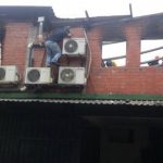 El niño falleció tras haber inhalado el humo provocado por las llamas. Según Bomberos, se trató de un corto circuito. FOTO EDH/M. Pineda