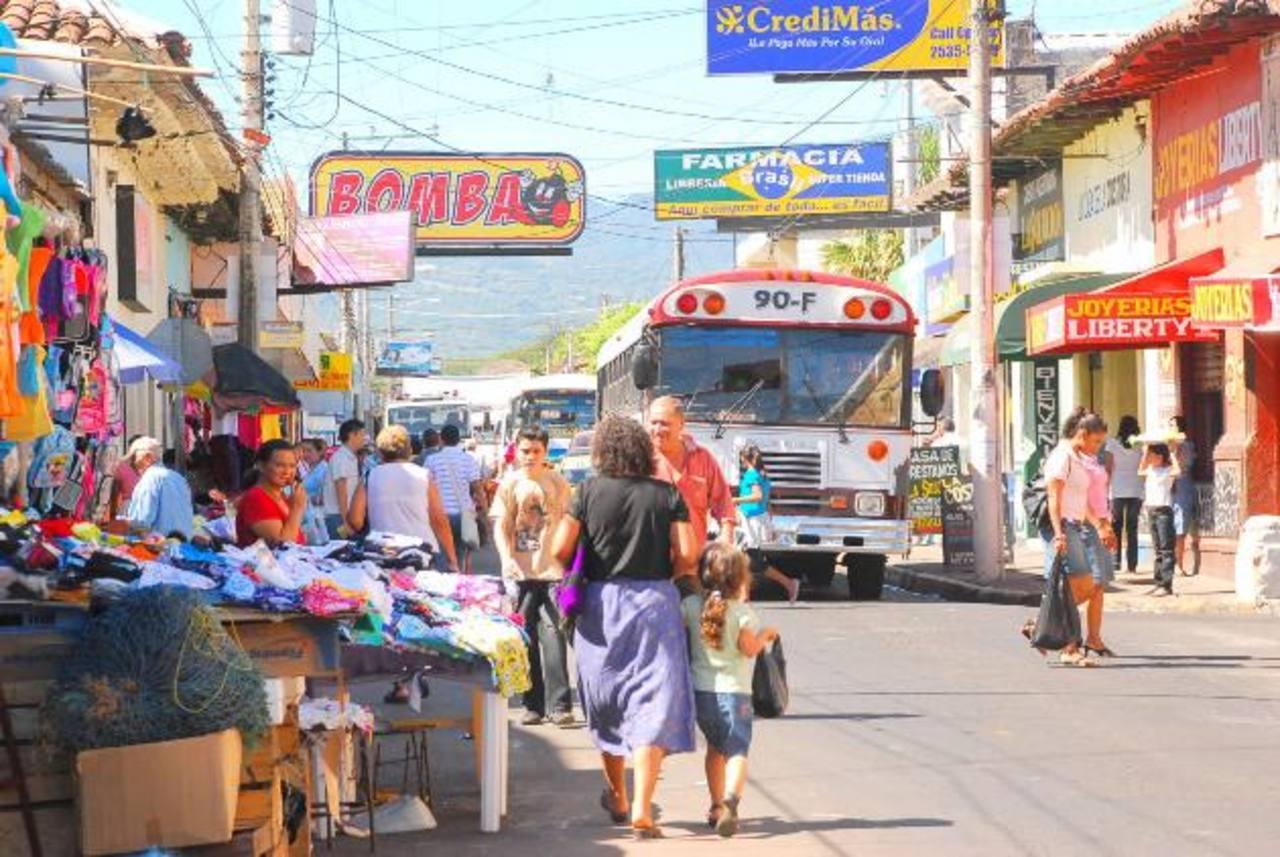 El sector comercial es el más afectado en el oriente del país, Fiscalía confirma pérdidas por más de $52 millones. Foto EDH / archivo.