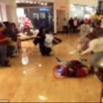 Video: Pelea en Black Friday incluyó shocks eléctricos