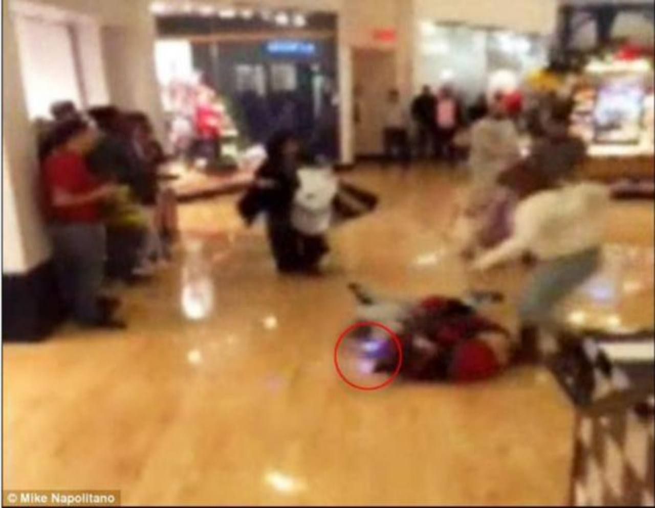 Video: Pelea en Black Friday incluyó shocks eléctricos