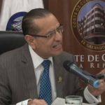 Rosalío Tóchez, presidente de la Corte de Cuentas, dice que pedirá este día nulidad de concesiones geotérmicas. Foto EDH