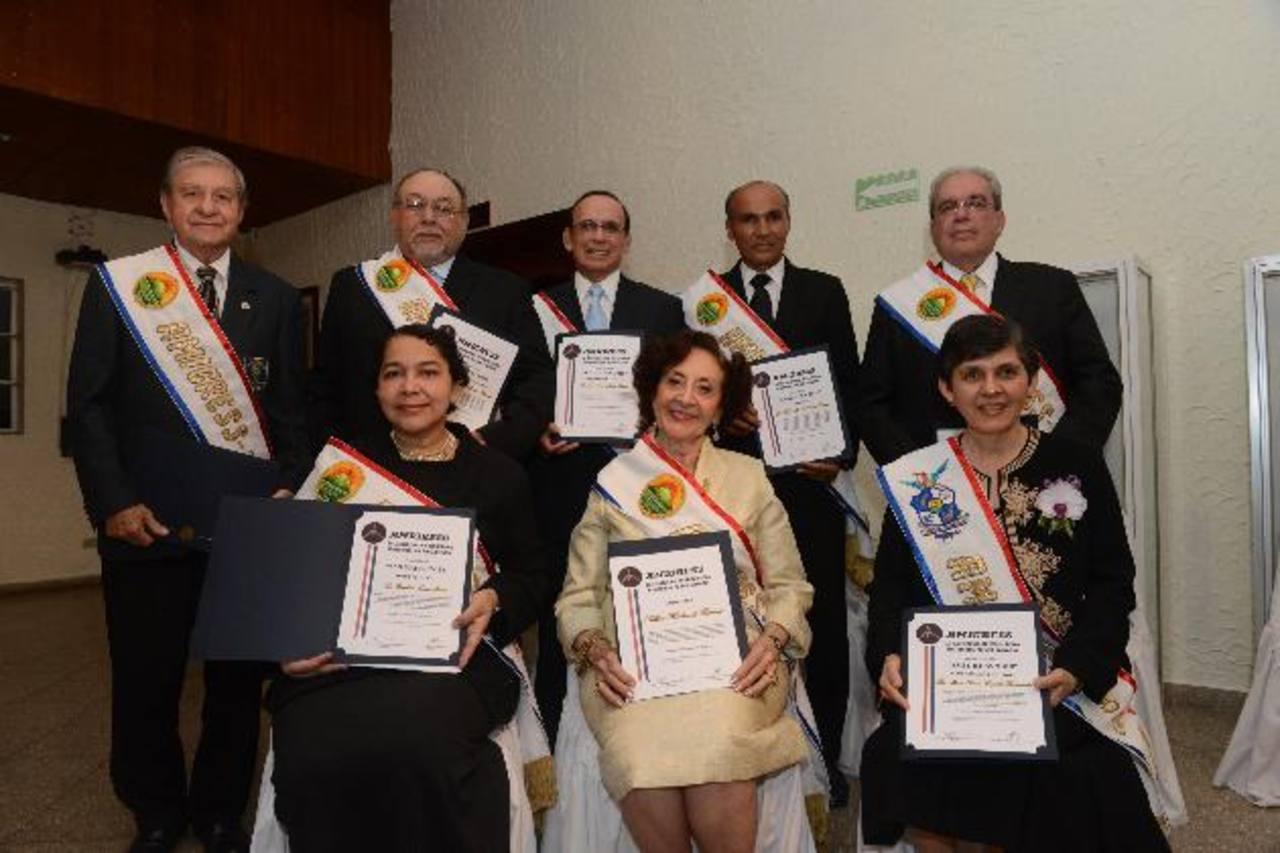 Amigress 2013 condecoró a profesionales que han contribuido al desarrollo de San Miguel. Foto EDH /miguel villalta