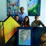 Artistas junto a José A. García, creador de la Fundación Joalgar. FOTOS EDH/ LISETTE LEMUS
