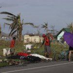 La mayoría de las víctimas se ahogaron o fueron embestidas por estructuras y árboles que colapsaron.