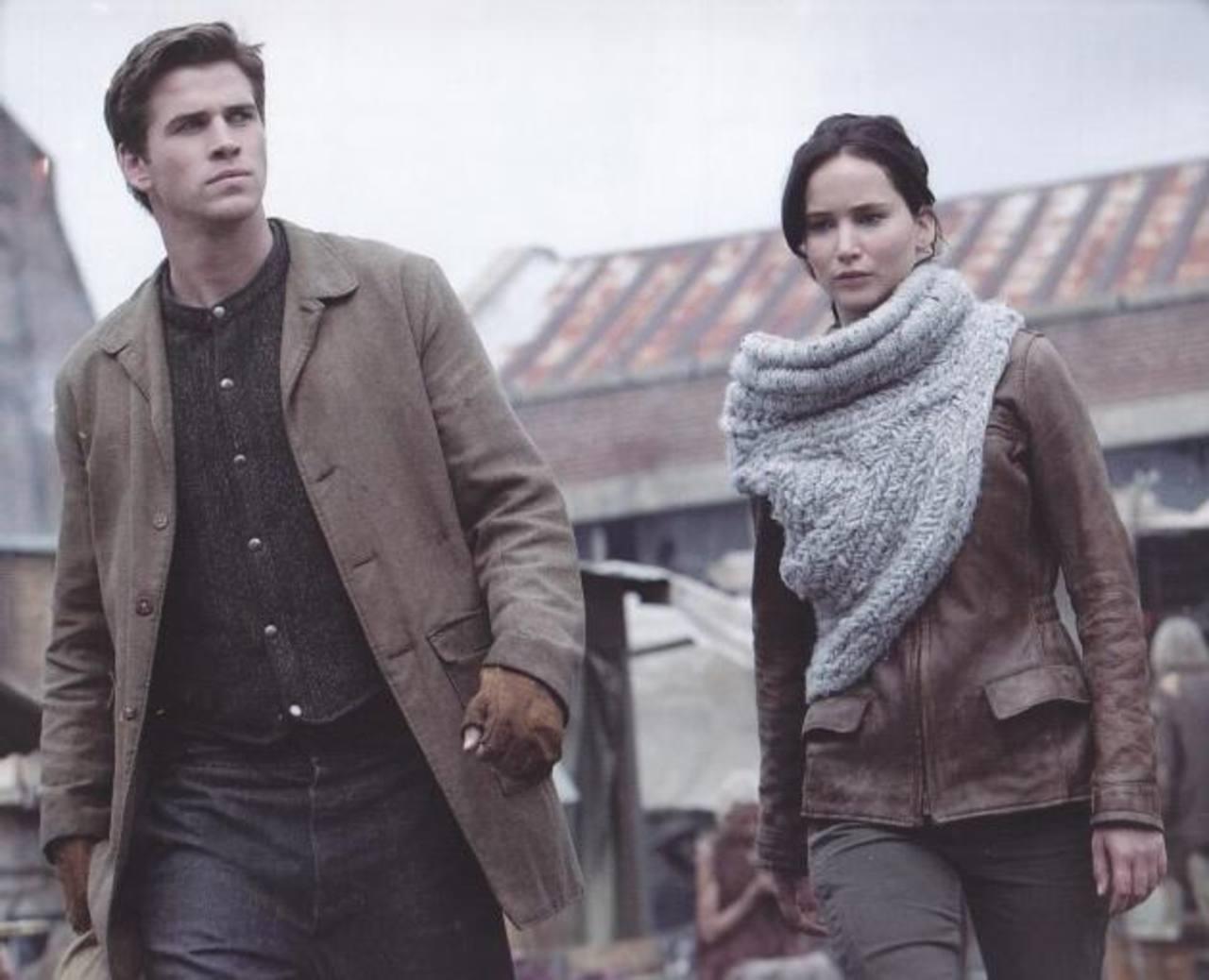 """El joven actor junto a Jennifer Lawrence en """"Los juegos del hambre""""."""