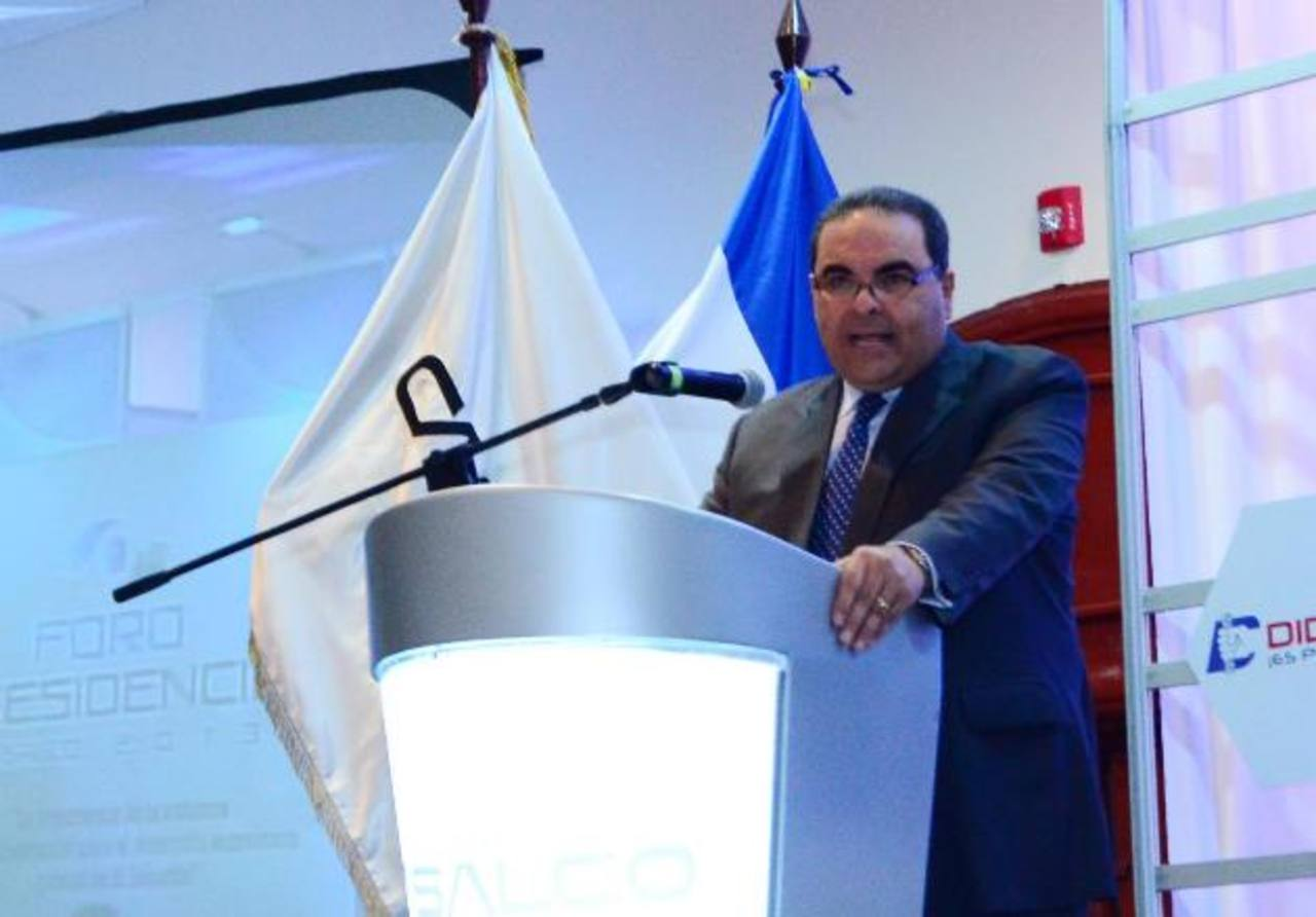 Tony Saca en una de sus intervenciones en el foro presidencial de Casalco. foto EDH / archivo