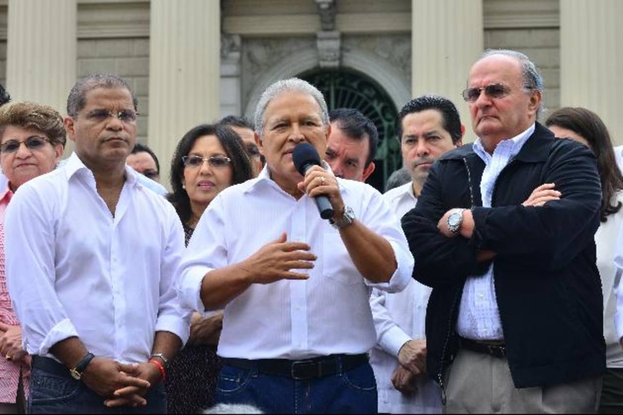 La fórmula presidencial efemelenista estaba invitada para apoyar el Acuerdo de Nación 2014-2044. Foto edh/archivo