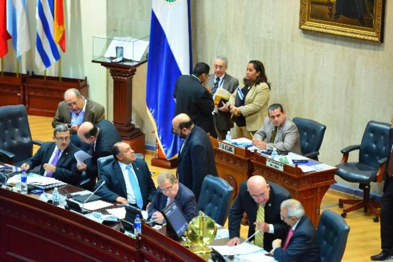 Repudio por pago de bono en la Asamblea