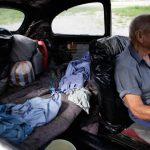 """Fotos: Mexicano de 83 años vive en """"vocho"""""""
