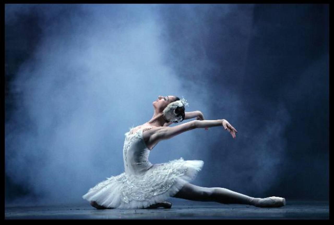"""Escena de """"El Lago de los Cisnes"""", especial que se proyectará en las salas de cine de Cinépolis, a las 8:00 p.m. Foto EDH"""