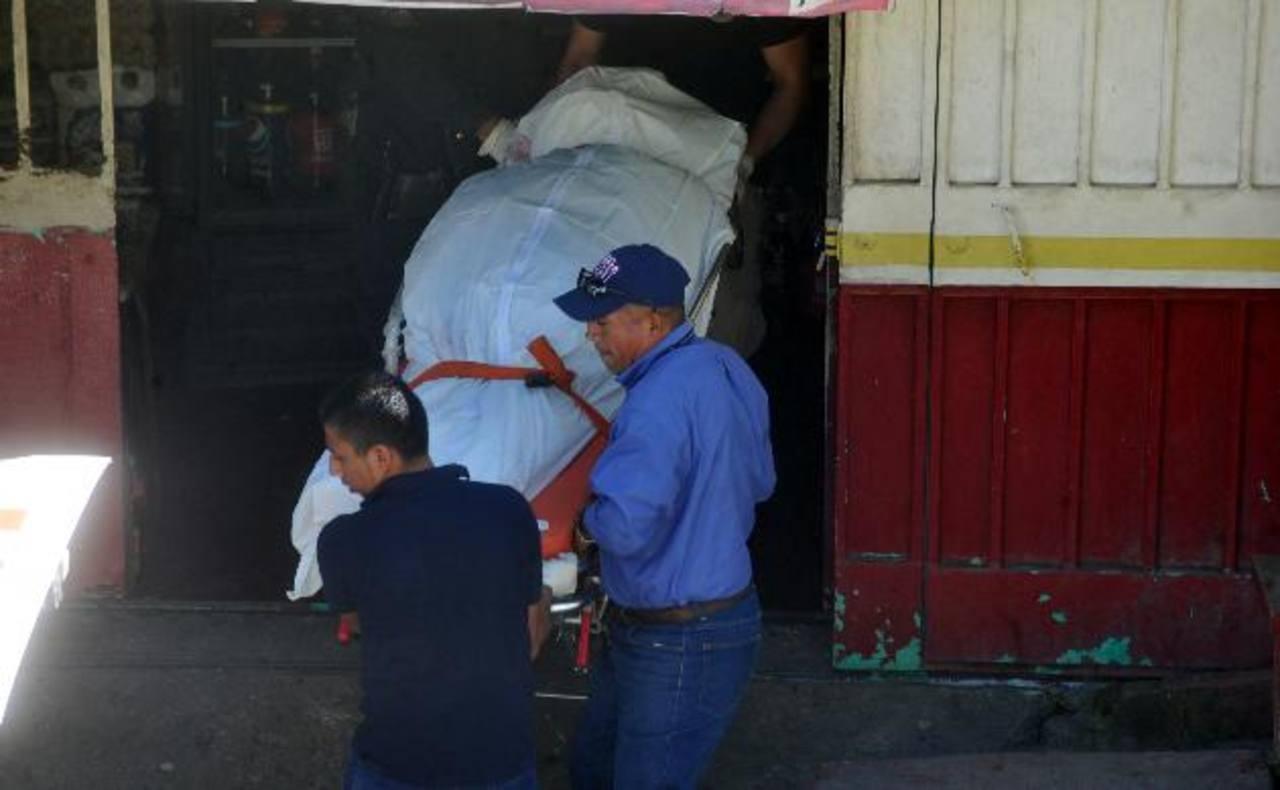Santos Meriney fue asesinada ayer, Día Internacional de la No Violencia contra la Mujer.Santos Meriney fue asesinada ayer, Día Internacional de la No Violencia contra la Mujer. Foto EDH / Éricka Chávez