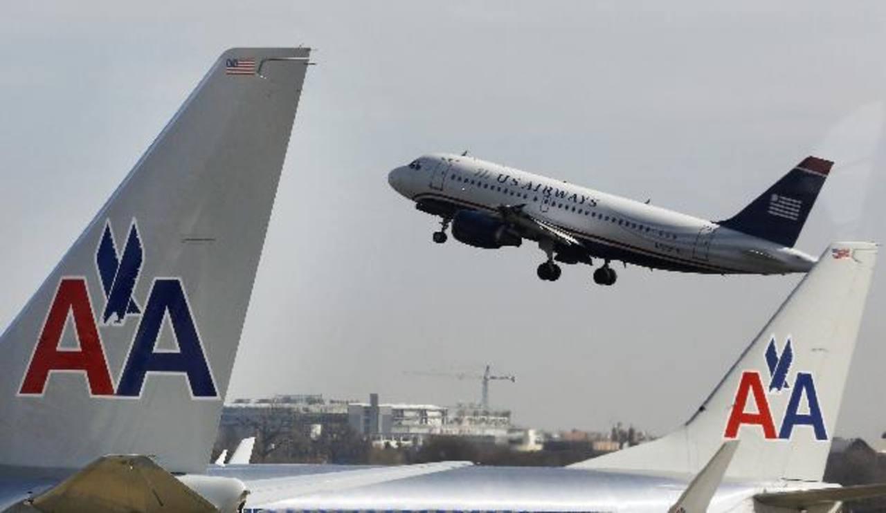 La nueva American Airlines obtendrá millonarios ahorros en costos de operación. foto edh / archivo