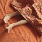 El síndrome de piernas inquietas impide descanso