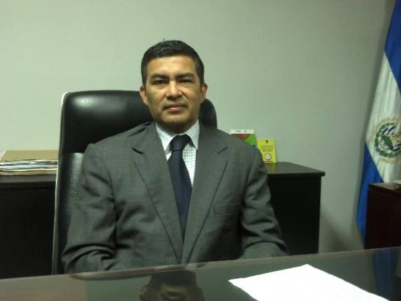 Para el juez 11o. de Paz, Aníbal Osorio, son válidas las diferentes opiniones en torno al caso CEL-Enel. Foto EDH / J. López