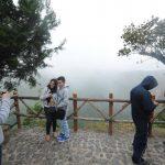 Algunos a aprovecharon la temperatura para dar un paseo por lugares como El Boquerón. Fotos edh / marlon Hernández