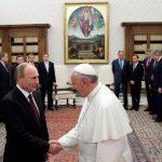 El papa Francisco recibió al presidente ruso, Vladimir Putin, en el Vaticano. Foto/ AP