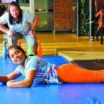 Actualmente más de 100 niños y jóvenes son atendidos en el hogar, a los cuales se les brinda terapia física y capacitación vocacional. Foto edh / archivo