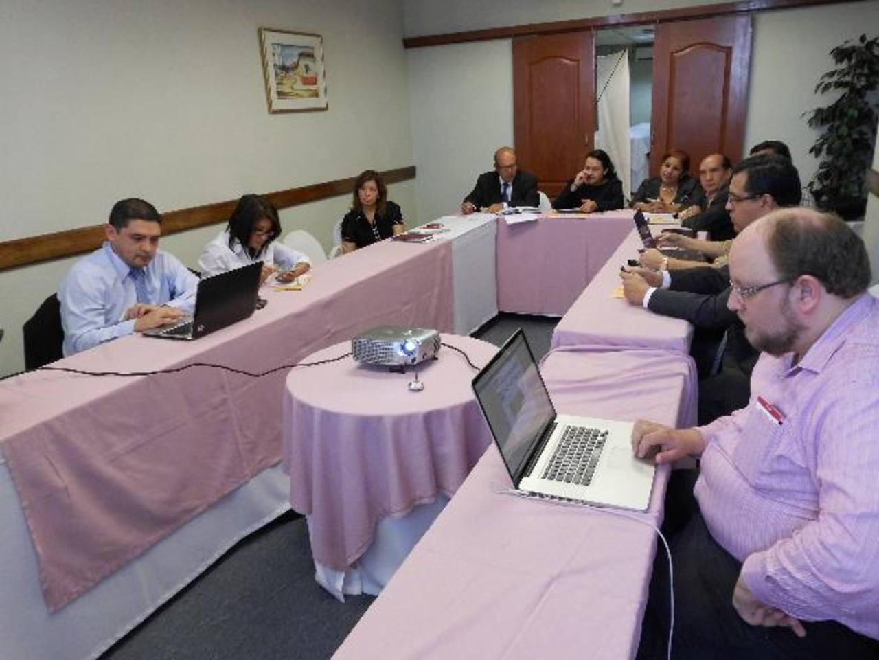 Representantes de la pequeña empresa analizaron reformas a la Ley de Pymes.