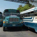 Motoristas de La Libertad no aceptan pago en efectivo