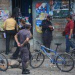 Santos Martínez Oliva fue asesinado en el interior de su casa, la cual funcionaba como tienda y licorería. Tenía lesiones de arma blanca en el abdomen. Foto EDH / Jaime Anaya