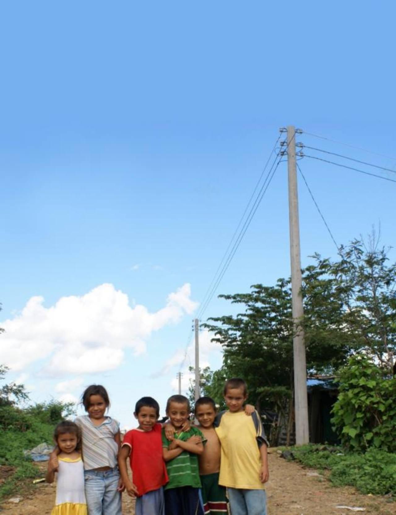 Con el programa de energía mágica se ha apoyado la educación de más de 38 mil niños de diversos municipio, solo este año. Foto edh / cortesía
