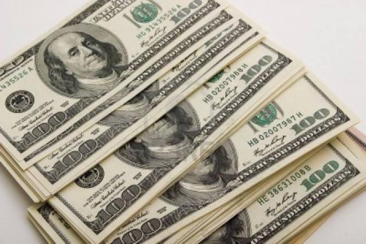 La deuda de El Salvador cerrará 2013 por arriba de los 14,000 millones de dólares, según economistas. foto edh