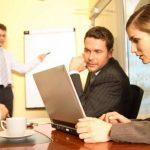 Los participantes reciben conocimientos sobre las últimas tendencias en cadenas de suministros y mejores prácticas en otras compañías.