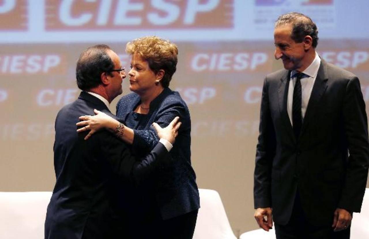Dilma Rousseff en el Encuentro Económico Franco-Brasileño, en la Federación de Industrias del Estados de Sao Paulo, en la que participó el presidente francés, François Hollande.