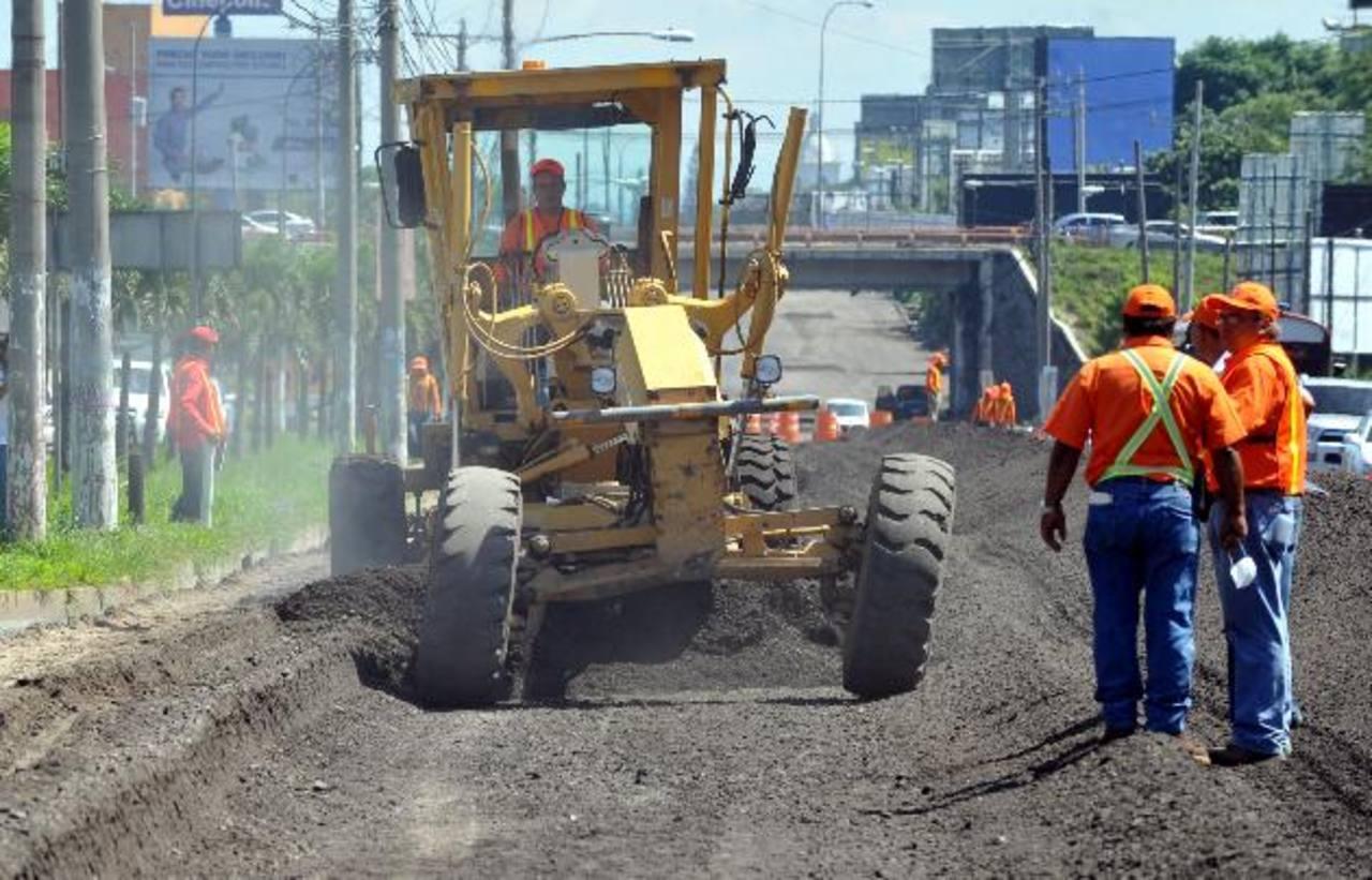 Los esfuerzos por mejorar la infraestructura de la región incentivan la inversión extranjera, según la UE. foto EDH/archivo