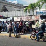Vendedores se concentran en Plaza Hula hula