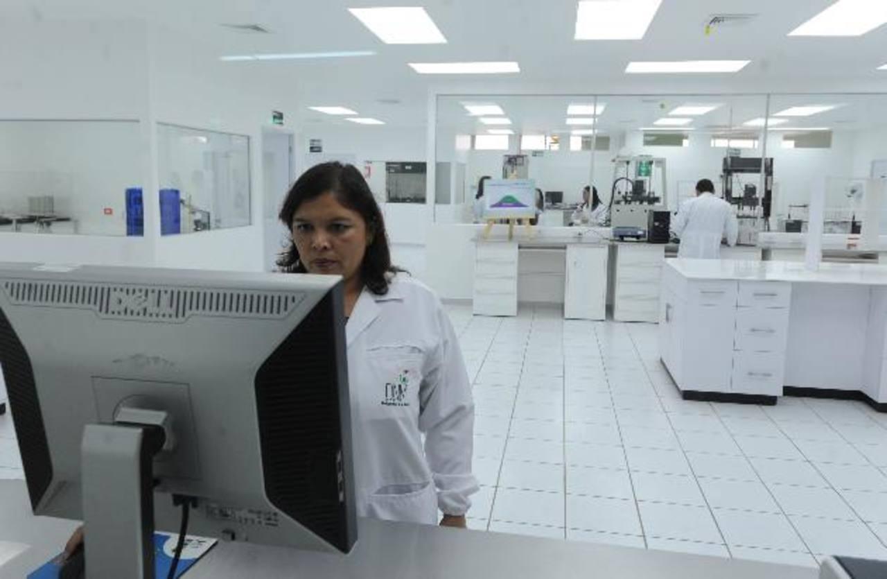 El nuevo laboratorio de control de calidad fue inaugurado ayer. Foto EDH / Lissette Lemus