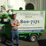 El señor Albeño tiene 32 años de servicio en la comuna capitalina y se siente orgulloso de su ocupación. Foto edh / RICARDO GUEVARA